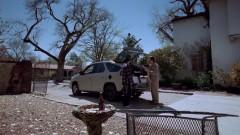 Walt drops off the stuff at Jesse's