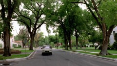 Walt drives to Jesse's house