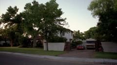 Skylar drops by Jesse's house.