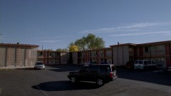 Hank meets with Gomez at a motel parking lot.