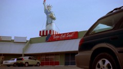 Walt meets with Saul.